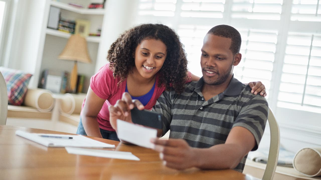 How to Inspire Teens to Save Their Money